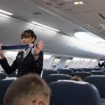 Stjuardesa iznenadila putnike savetom ZAŠTO da u avionu ne nose ŠORCEVE ili prekratke haljine