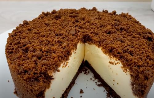 Jednostavno i bez pečenja: Torta od keksa, putera i pavlake kakvu niste probali do sada (RECEPT)