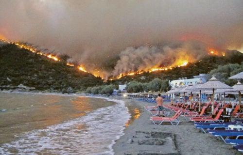 Hoće li srpski turisti dobiti ODŠTETU zbog požara u Grčkoj? Evo šta se dešava sa prekinutim aranžmanima