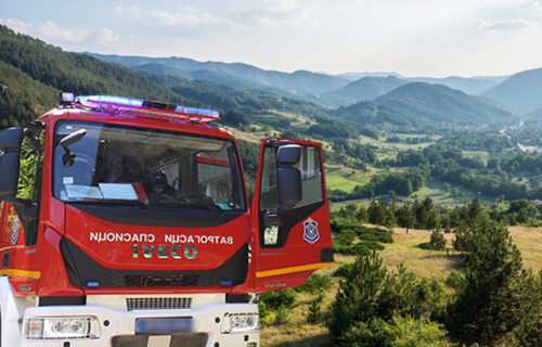 GORI na Mokroj Gori! Na terenu ekipa vatrogasaca, stižu i helikopteri, KATASTROFA na pomolu