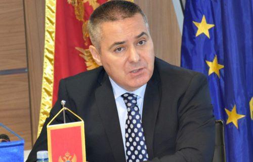 NOVA SRAMOTA Crne Gore: Veljović oslobođen optužbi za pozivanje na otpor