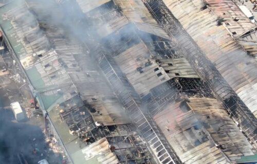 Vatra izbila dok je tržni centar bio ZATVOREN: Da li je požar u kuhinji restorana PODMETNUT?