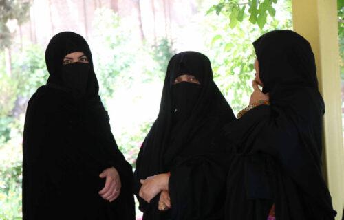 Žene u Avganistanu će moći da STUDIRAJU: Talibanski ministar objasnio koji USLOV moraju da ispune