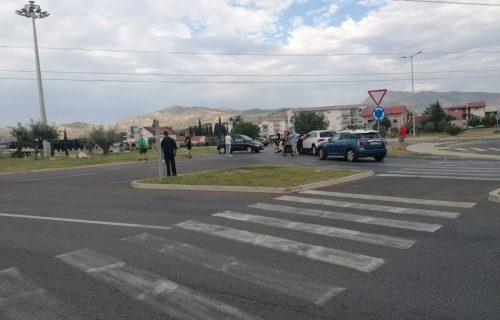 Napetost na vrhuncu: Milove komite na barikadama kod Podgorice oči u oči sa policijom (FOTO+VIDEO)