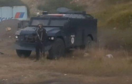 Još jedna BESANA NOĆ pred Srbima: Rosu jedinice promenile položaj na Jarinju (VIDEO)