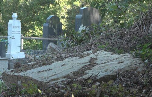 JEZIV PRIZOR na groblju u selu Jezdina kod Čačka: Kada je Mišo video ovo, odmah je zvao sve rođake (FOTO)