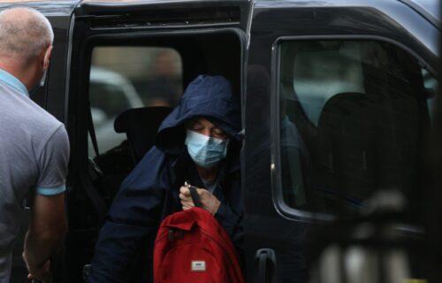 PRVE fotografije Mike Aleksića nakon izlaska iz Centralnog zatvora: STIGAO u stan na Vračaru (FOTO)