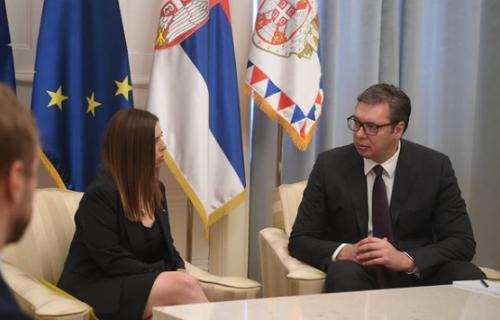 Oproštajna poseta: Predsednik Vučić primio ambasadorku Australije Rut Stjuart (FOTO)