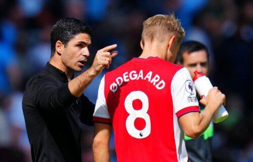 Arsenal poslednji u Premijer ligi bez ijednog gola, a on priča o osvajanju Lige šampiona?!