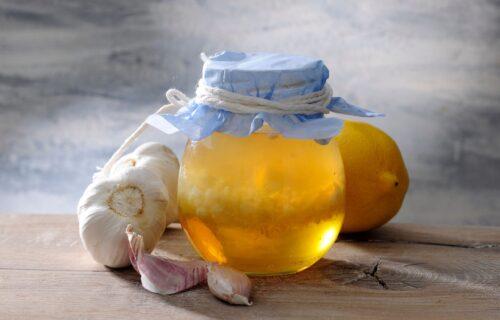 Napitak koji ruski monasi koriste vekovima: Reguliše holesterol i čisti krvne sudove (RECEPT)