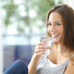 Japanska terapija vodom otklanja stres i ubrzava metabolizam: Koliko čaša treba popiti ujutru?