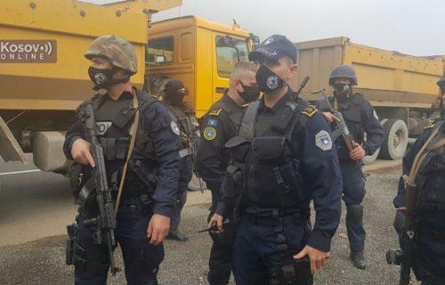 HAOS kod prelaza Brnjak: Policija lažne države bacila SUZAVAC na Srbe