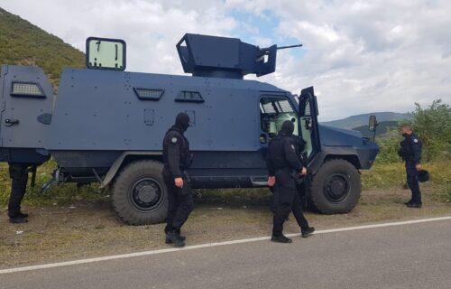 Rosu TERORIŠE Srbe, helikopteri nadleću područje: Evo šta se SADA dešava na Jarinju (FOTO+VIDEO)