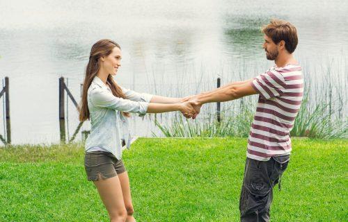 Nije sve u romantici i strasti: 8 pouzdanih znakova da ste u ZDRAVOJ vezi