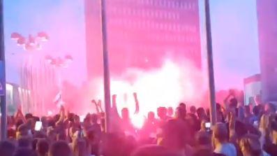 Haos na ulicama Ljubljane: Protestanti gađali parlament BAKLJAMA, policija ŽESTOKO reagovala (VIDEO)