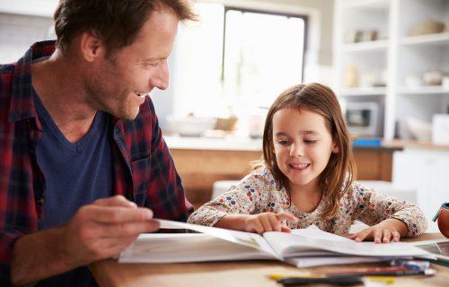 Vaše dete želi da nauči strani jezik? Pomozite mu uz pomoć ovih SAVETA