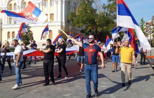 Svečani defile povodom Dan srpskog jedinstva i u Banjaluci: Srpska trobojka se PONOSNO viorila (FOTO)
