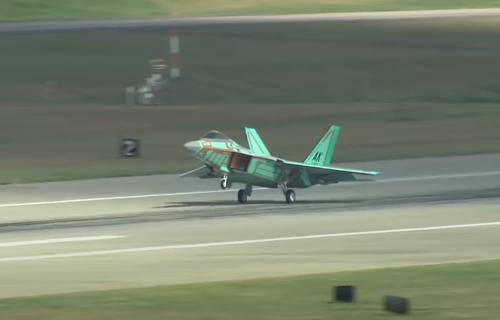 Tajna NEPOSTOJEĆEG superlovca F-52: Tramp tvrdi da su ga dali Norveškoj, a evo gde je ZAPRAVO (VIDEO)
