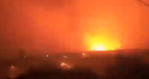 Od detonacija se TRESLO tlo: Balistička raketa RAZNELA skladište municije Saudijaca (VIDEO)