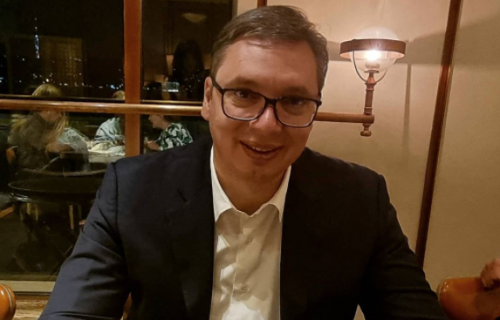 Predsednik Vučić podelio fotografiju iz Turske: Ne vredi, ne mogu da odolim! (FOTO)