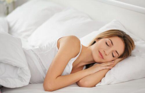 Dermatolozi savetuju: Sedam trikova kako da sprečite nastajanje bora dok spavate