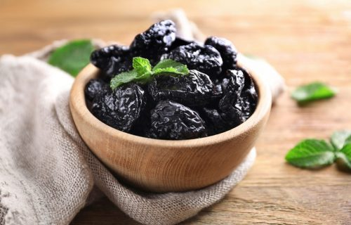 Brza dijeta sa suvim šljivama: Možete da skinete do tri kilograma za nekoliko dana (PLAN ISHRANE)
