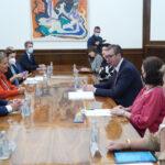 Predsednik Vučić sastao se sa delegacijom Senata Republike Francuske (FOTO)