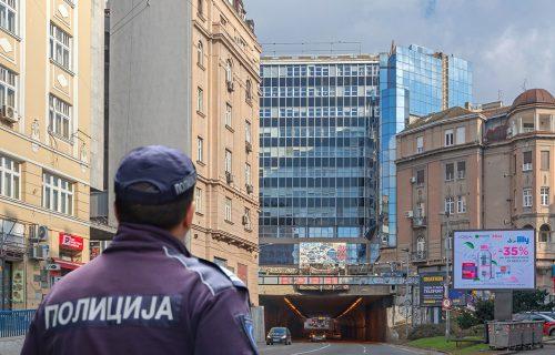 Saobraćajka u centru Beograda: Automobil UDARIO u kamion kod Terazijskog tunela, nastao kolaps u centru