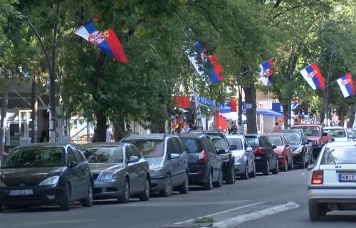 Veličanstven PRIZOR na Kosovu i Metohiji: Vijore se srpske TROBOJKE (VIDEO)