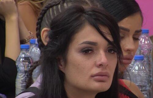 """KOMŠIJE Viktorije Mitrović koju je zlostavljao sveštenik progovorile: """"Ona se SKIDA za 400 dinara"""""""