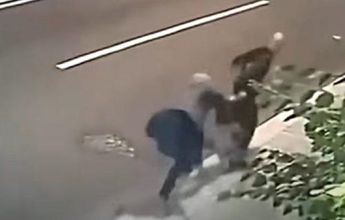 Otimao BAKI torbu na ulici, ali je bio SLABIJI: Potom se izvinio i uradio nešto što nije nijedan lopov