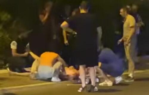 UŽAS u Beogradu: Automobil pokosio pešaka, ljudi pritrčali da pomognu (VIDEO)