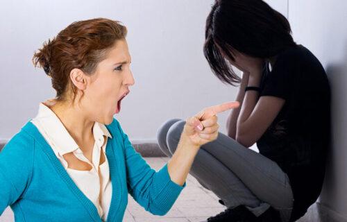 """Ukrala si NEVINOST mom detetu"": Devojčica flekavih pantalona otrčala kod tetke, a onda je izbio SKANDAL"