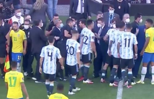 Pogledajte snimak skandala o kojem bruji ceo svet: Ovako su Brazilci prekinuli meč sa Argentinom (VIDEO)