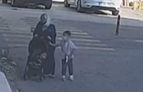 Ostavila dete na uzbrdici, a onda su se KOLICA okrenula na dole i usledila je neviđena drama (VIDEO)