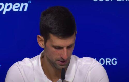 Nije plakao samo na terenu: Novak zbog porodice u suzama napustio pres konferenciju! (VIDEO)