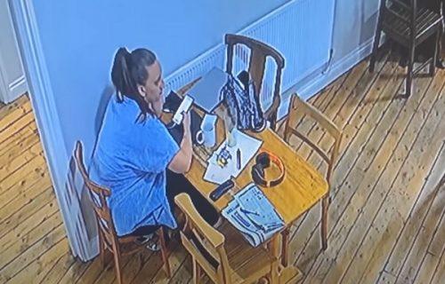 Mislila je da je skrivena kamera: Žena sedela u restoranu kada se STOLICA odjednom SAMA pomerila (VIDEO)