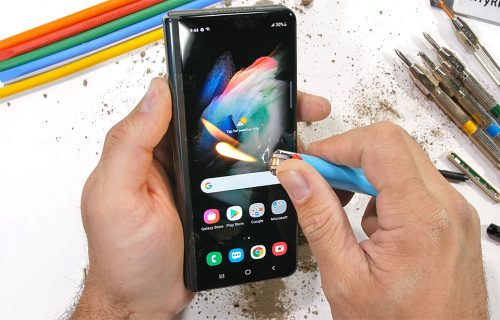 "Skalpelom i vatrom na telefon od 1.800 evra: Hoće li Galaxy Z Fold3 preživeti ""mučenje"" (VIDEO)"