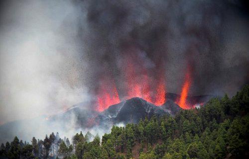 """Zastrašujući ZVUCI """"probuđenog"""" vulkana! Drama na ostrvu: Ljudi se masovno evakuišu (FOTO+VIDEO)"""