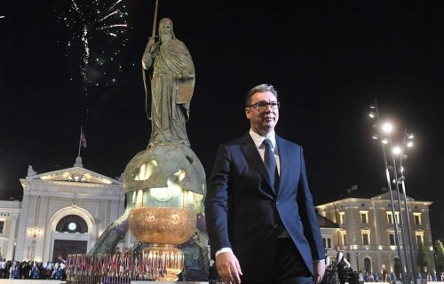 "Govor predsednika Vučića povodom velikog praznika: ""Neka živi srpsko jedinstvo, sloboda i trobojka"""
