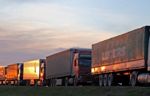 Teretna vozila na Horgošu čekaju i do 20 SATI: Kolone kamiona dugačke SEDAM kilometara
