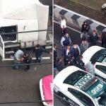 Potpuno LUDILO na ulici! Kamionom udarao sve pred sobom, vozači u besu povadili palice (VIDEO)