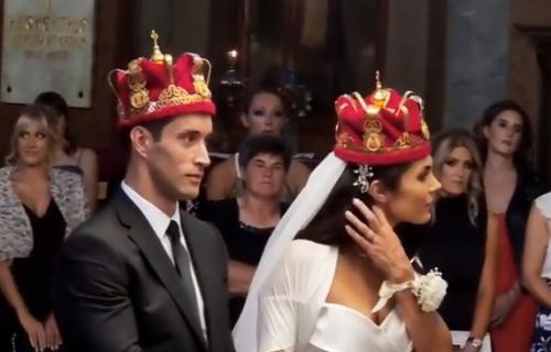 Ovo su prvi snimci crkvenog venčanja Milice Mandić: Prelepa mlada odiše nestvarnom lepotom (VIDEO)
