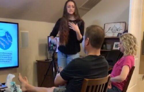 Roditeljima održala prezentaciju da bi im saopštila ŠKAKLJIVU vest: Samo su se pogledali (VIDEO)