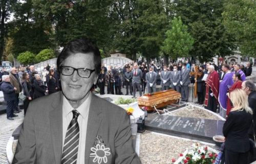 Minja Subota ispraćen na večni počinak: Čuveni voditelj sahranjen uz pratnju crkvenog hora