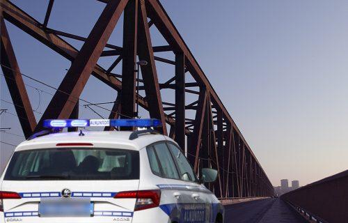 Lančani SUDAR na Pančevačkom mostu: POVREĐENA beba, saobraćaj blokiran u svim pravcima