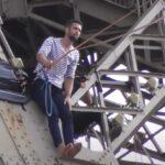 Nije znao šta će sa sobom, pa šetao po KONOPCU na visini od 70 metara (VIDEO)