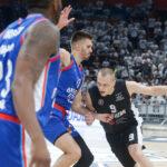 Užasne vesti sa oproštaja Veličkovića: Smailagić doživeo povredu, na ramenima saigrača napustio parket