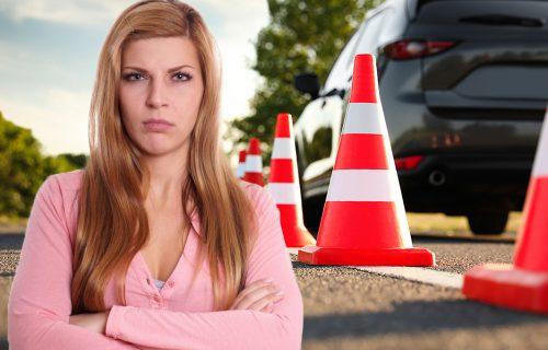Kada vozi uvek PLAČE i drhti: Izabela 30 godina pokušava da položi vožnju, jedna STVAR je posebno muči