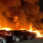 """Nebo """"gori"""" kao u filmovima apokalipse: Pogledajte kako 40 automobila nestaje u vatrenoj buktinji (VIDEO)"""